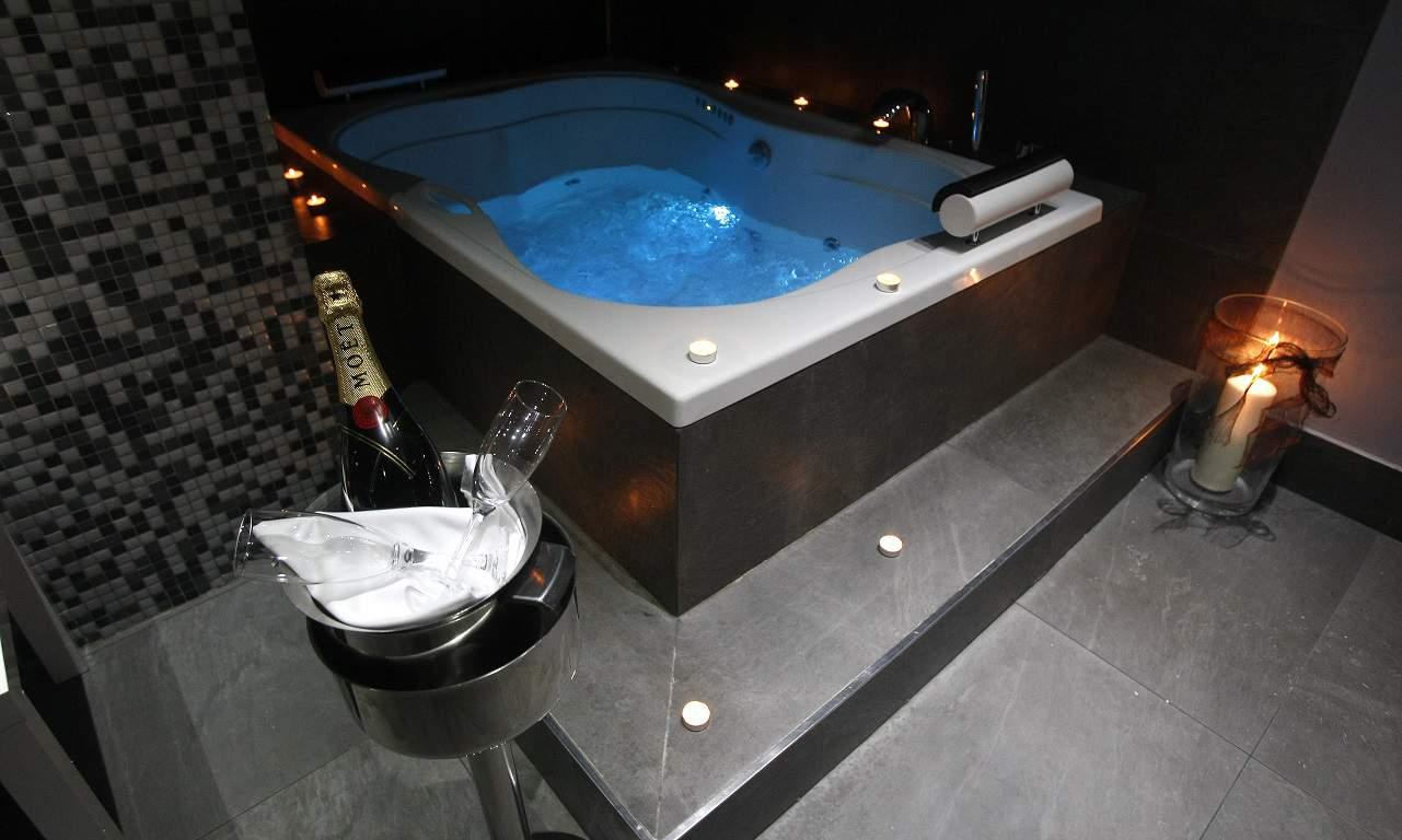Hotel Real Jaca jacuzzi privado